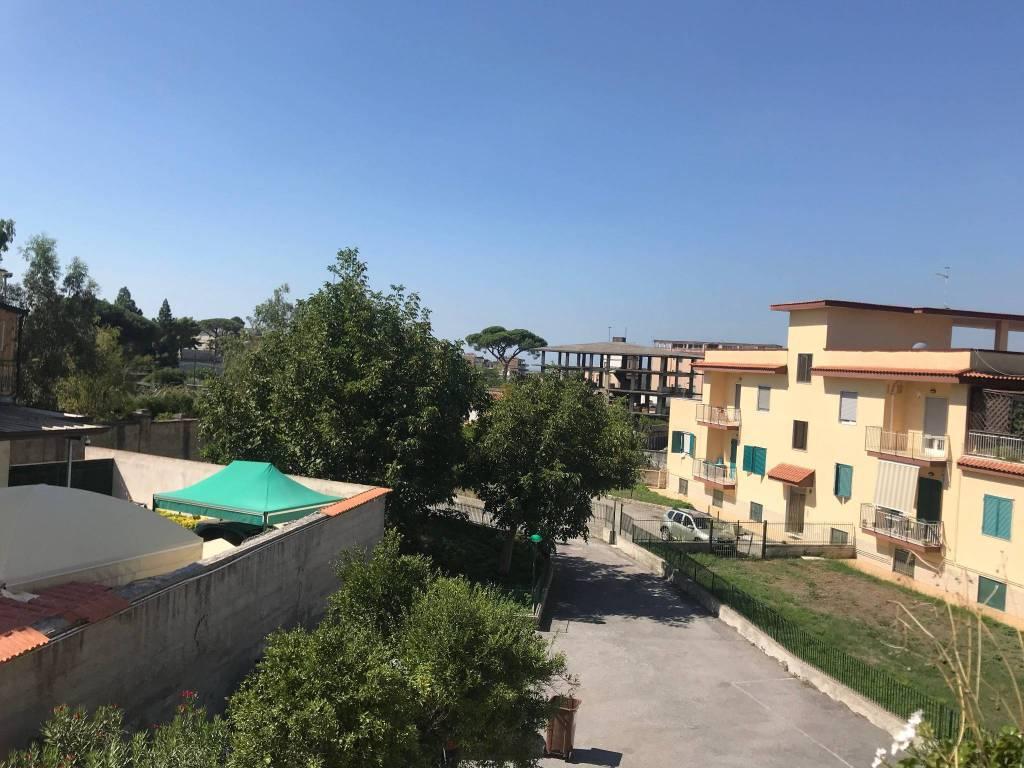 Appartamento in buone condizioni in affitto Rif. 5748145