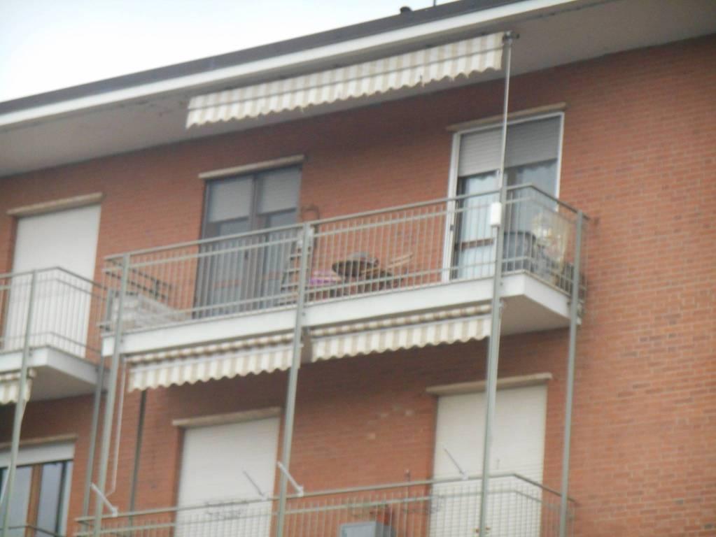 Appartamento in vendita a Castagnito, 4 locali, prezzo € 115.000 | CambioCasa.it