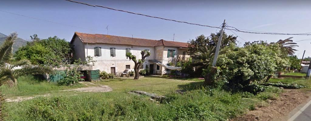 Rustico / Casale da ristrutturare in vendita Rif. 8693235