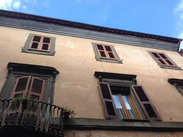 Appartamento in buone condizioni parzialmente arredato in vendita Rif. 8688732