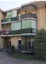 Appartamento in buone condizioni in vendita Rif. 8704957
