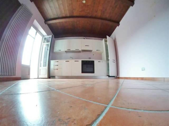 Appartamento in Affitto a Monastero Di Vasco Centro: 3 locali, 80 mq