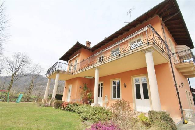 Villa in Vendita a Peveragno Periferia: 5 locali, 265 mq