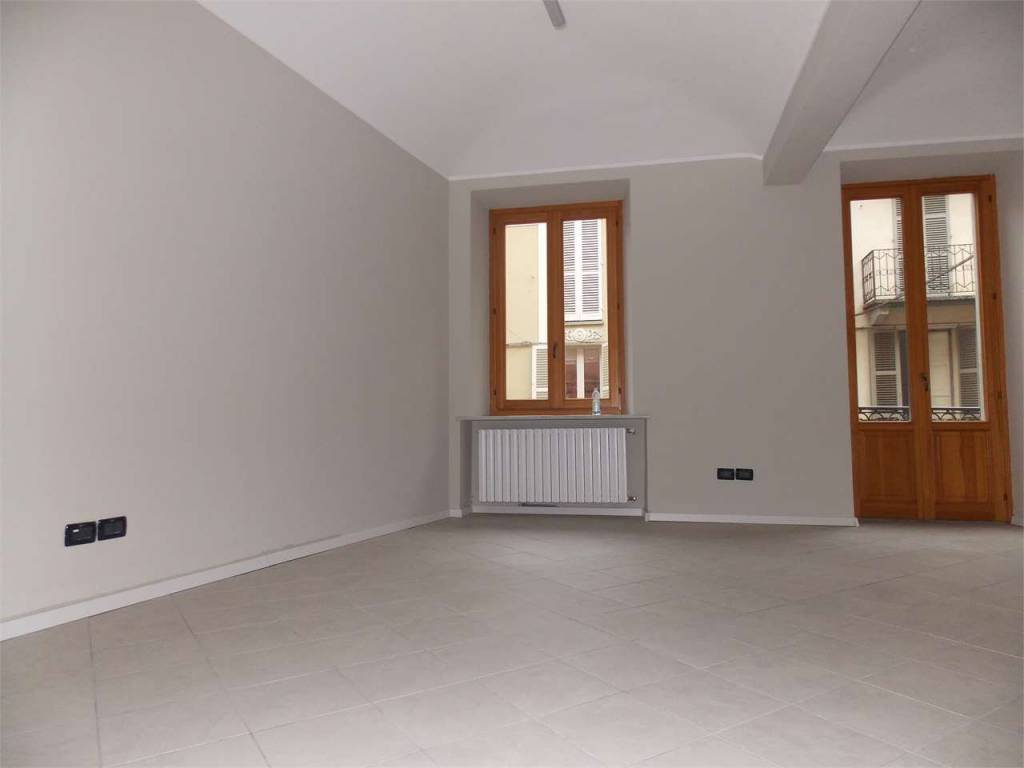 Ufficio / Studio in affitto a Asti, 4 locali, prezzo € 500 | CambioCasa.it