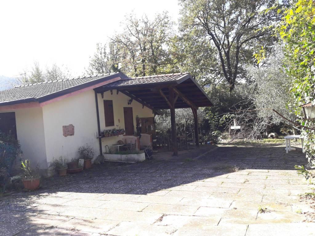 Villa da ristrutturare in vendita Rif. 8705070