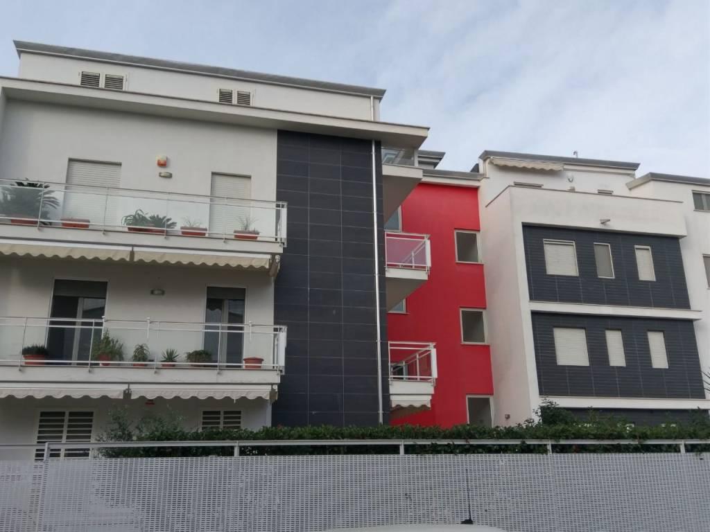 Appartamento in ottime condizioni in vendita Rif. 8703508