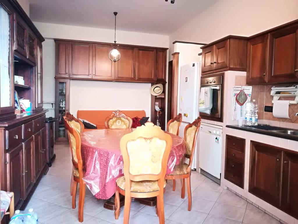 Appartamento in ottime condizioni arredato in vendita Rif. 8703892