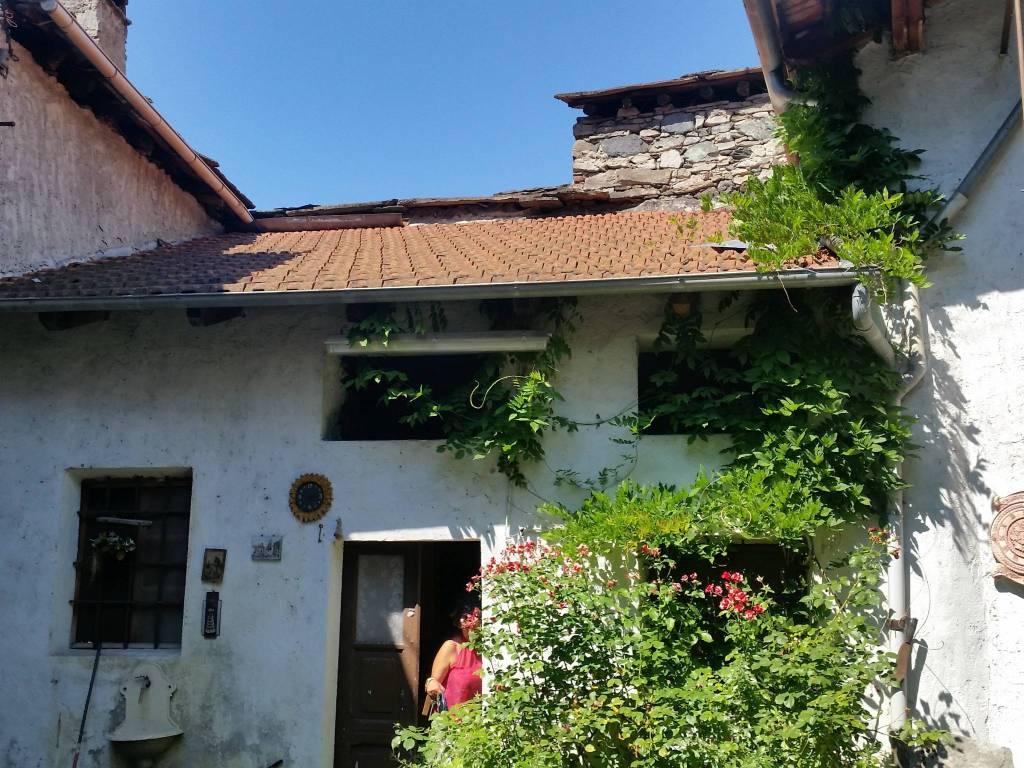 Rustico / Casale in buone condizioni in vendita Rif. 9161336