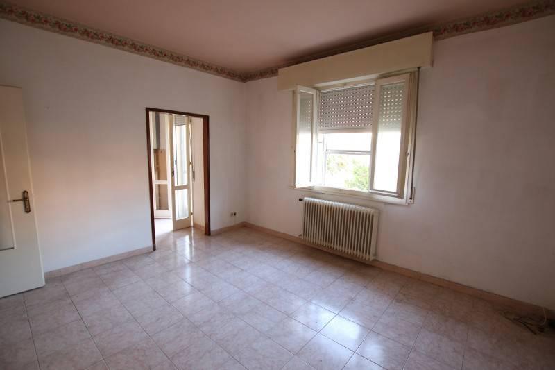 Appartamento in buone condizioni in vendita Rif. 8710939
