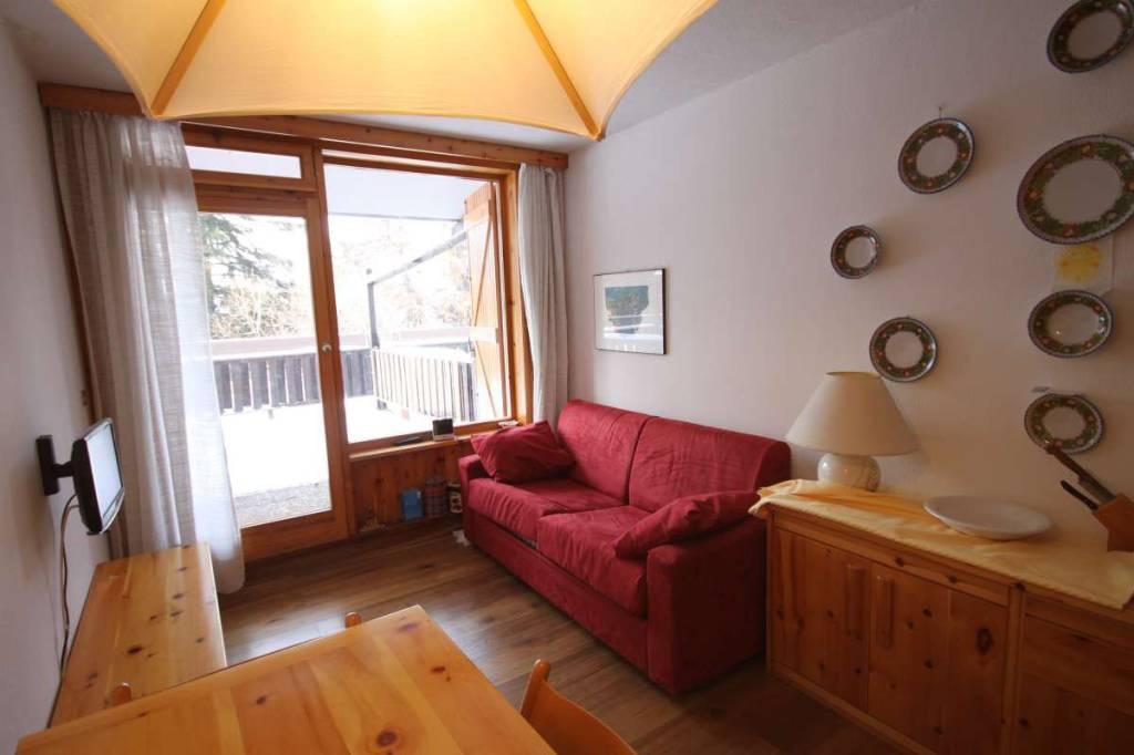 Appartamento in ottime condizioni arredato in vendita Rif. 8719409