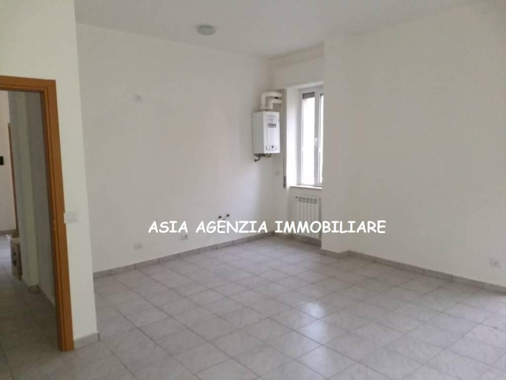 Appartamento in buone condizioni in vendita Rif. 8718933
