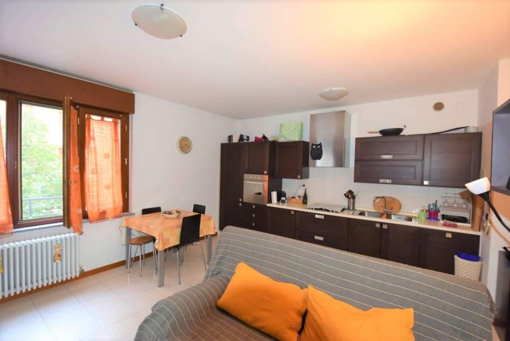Appartamento in ottime condizioni arredato in vendita Rif. 8722241