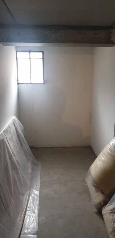 Appartamento in buone condizioni arredato in vendita Rif. 8718722