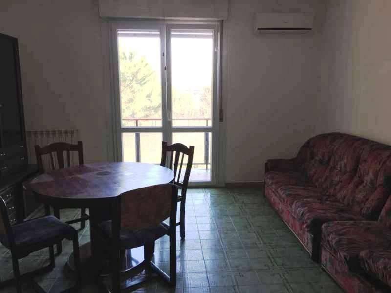 POMEZIA CENTRO PC735 Appartamento arredato con balcone