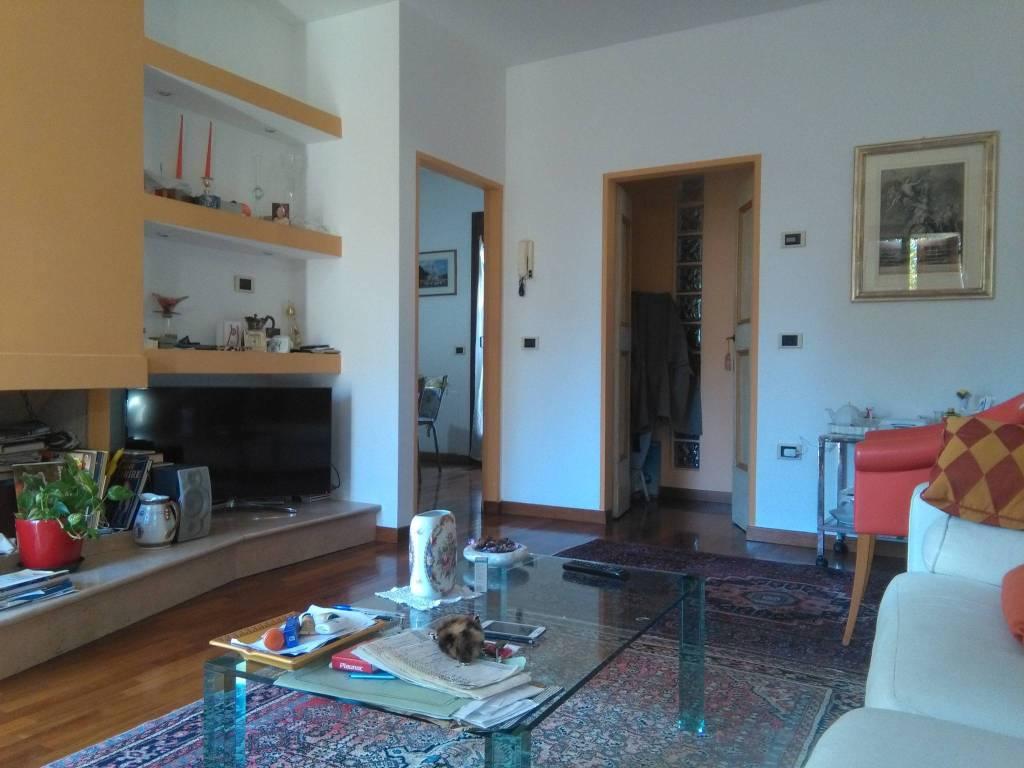 Appartamento in ottime condizioni in vendita Rif. 8851242
