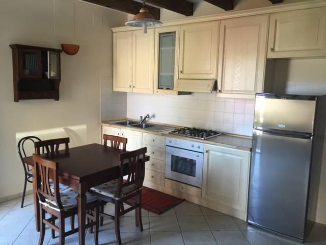 Appartamento in ottime condizioni arredato in affitto Rif. 8716152