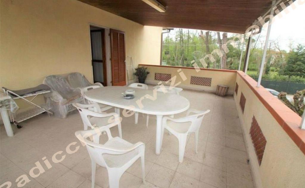 Appartamento in buone condizioni arredato in vendita Rif. 8938966