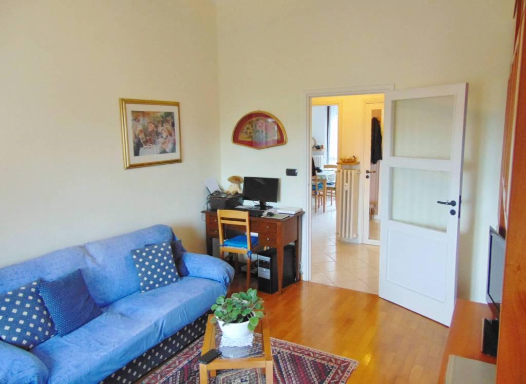 Appartamento in ottime condizioni parzialmente arredato in vendita Rif. 8538451