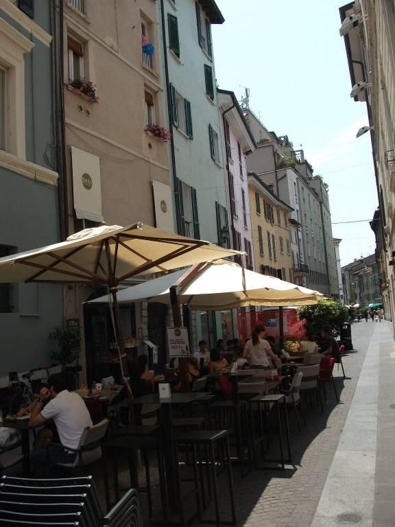 Negozio quadrilocale in affitto a Brescia (BS)