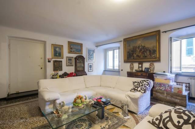Foto 1 di Appartamento Genova