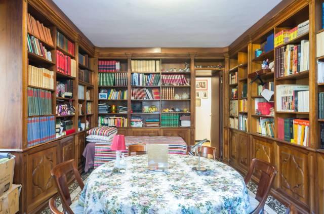 Foto 3 di Appartamento Genova
