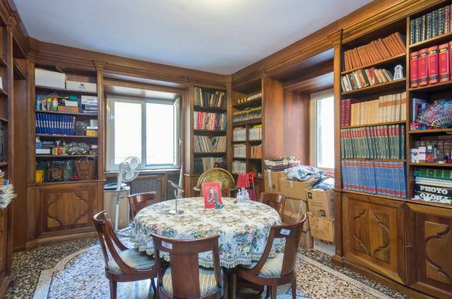 Foto 4 di Appartamento Genova