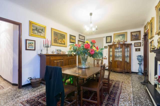 Foto 7 di Appartamento Genova
