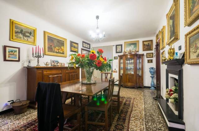 Foto 8 di Appartamento Genova