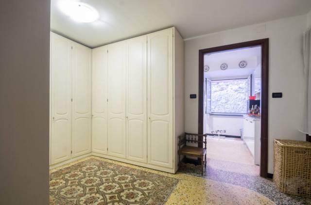 Foto 11 di Appartamento Genova