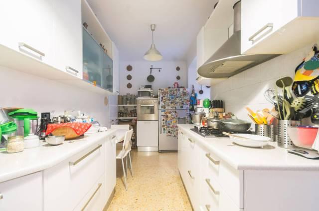Foto 13 di Appartamento Genova