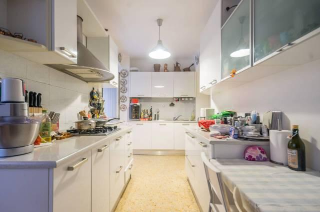 Foto 14 di Appartamento Genova