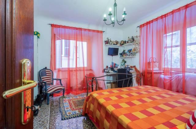 Foto 15 di Appartamento Genova