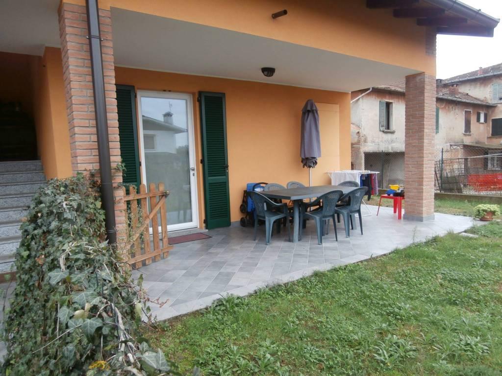 Appartamento in ottime condizioni in affitto Rif. 8717129