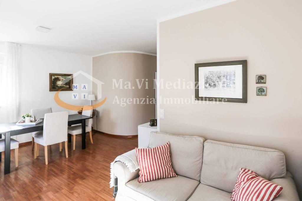 Appartamento in ottime condizioni parzialmente arredato in vendita Rif. 8413302