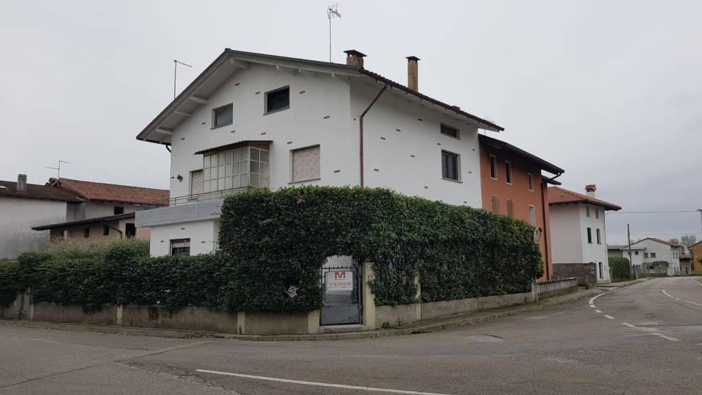 Fagagna frazione Villalta , ampio bicamere in bifamiliare