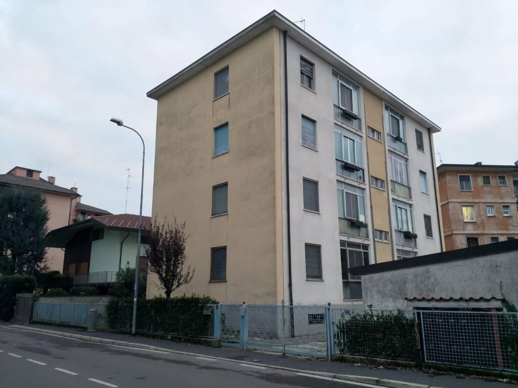 Appartamento in buone condizioni in vendita Rif. 8717843