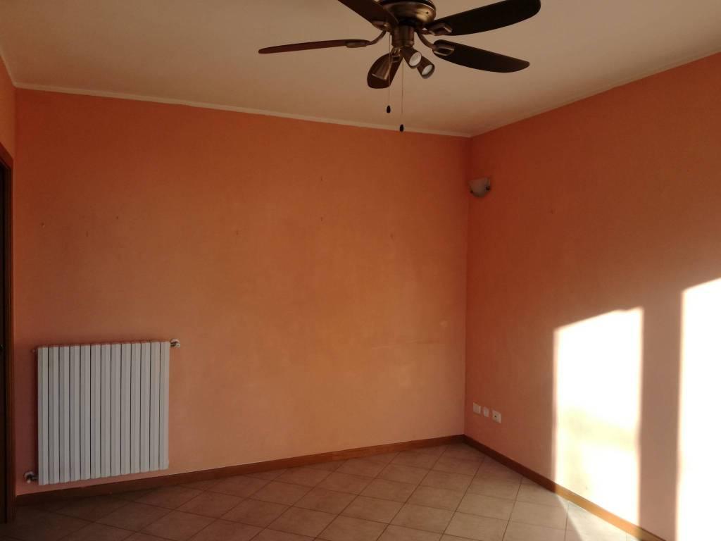 Appartamento in buone condizioni in vendita Rif. 8734038