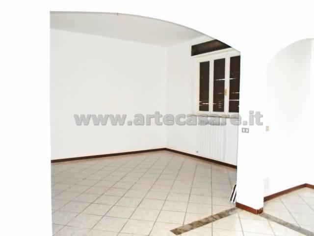 Appartamento in ottime condizioni in affitto Rif. 9123377