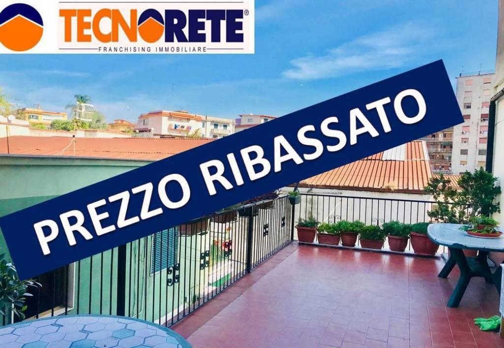 Appartamento in buone condizioni in vendita Rif. 9259554