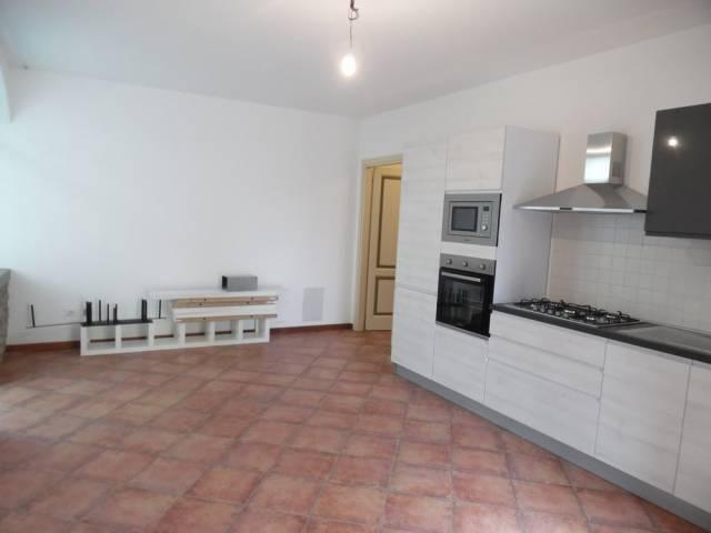 Appartamento in ottime condizioni parzialmente arredato in affitto Rif. 7266190