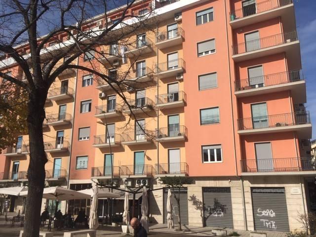 Appartamento in buone condizioni in vendita Rif. 9151199