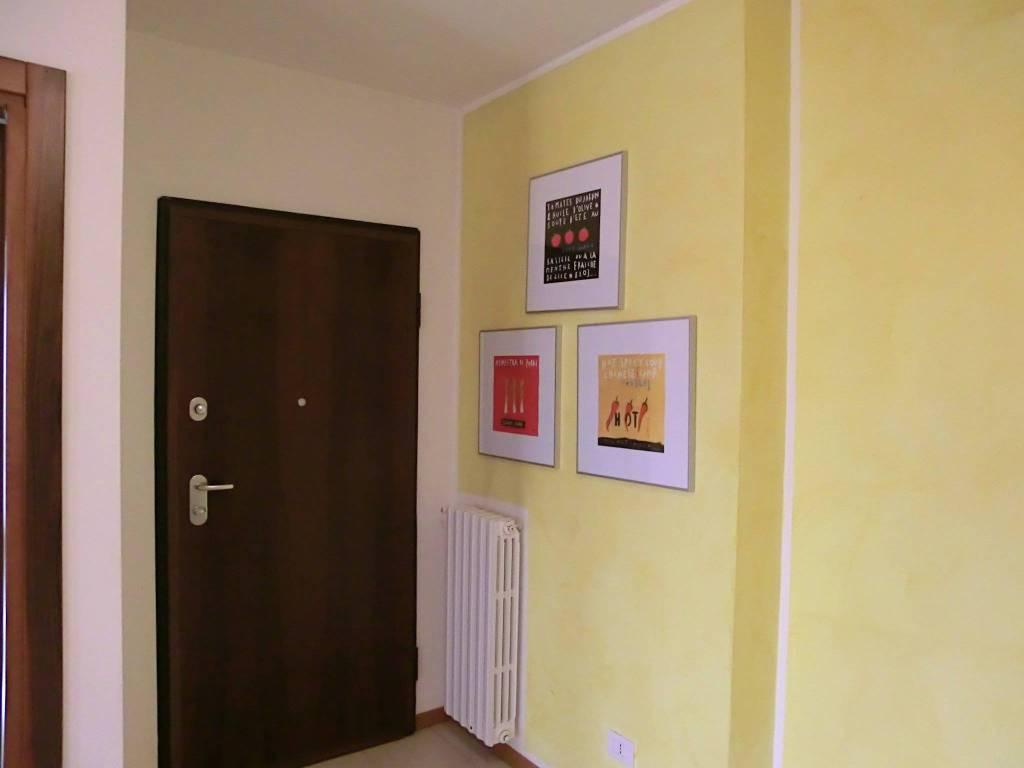 Appartamento in ottime condizioni arredato in affitto Rif. 8718672