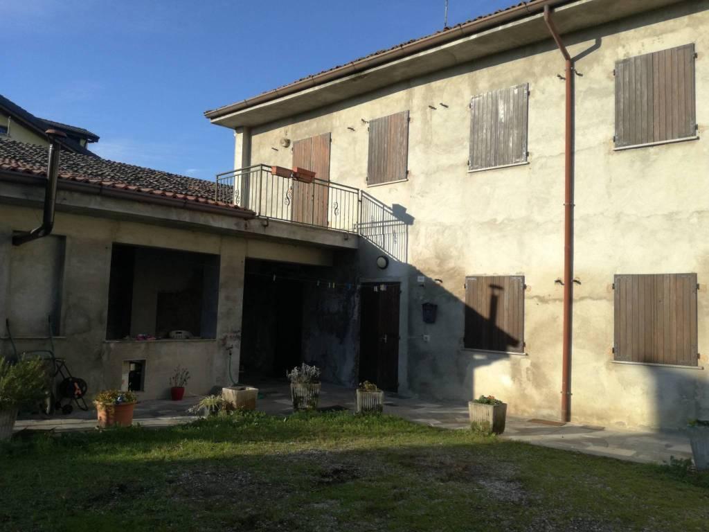 Villa in buone condizioni in vendita Rif. 8734039