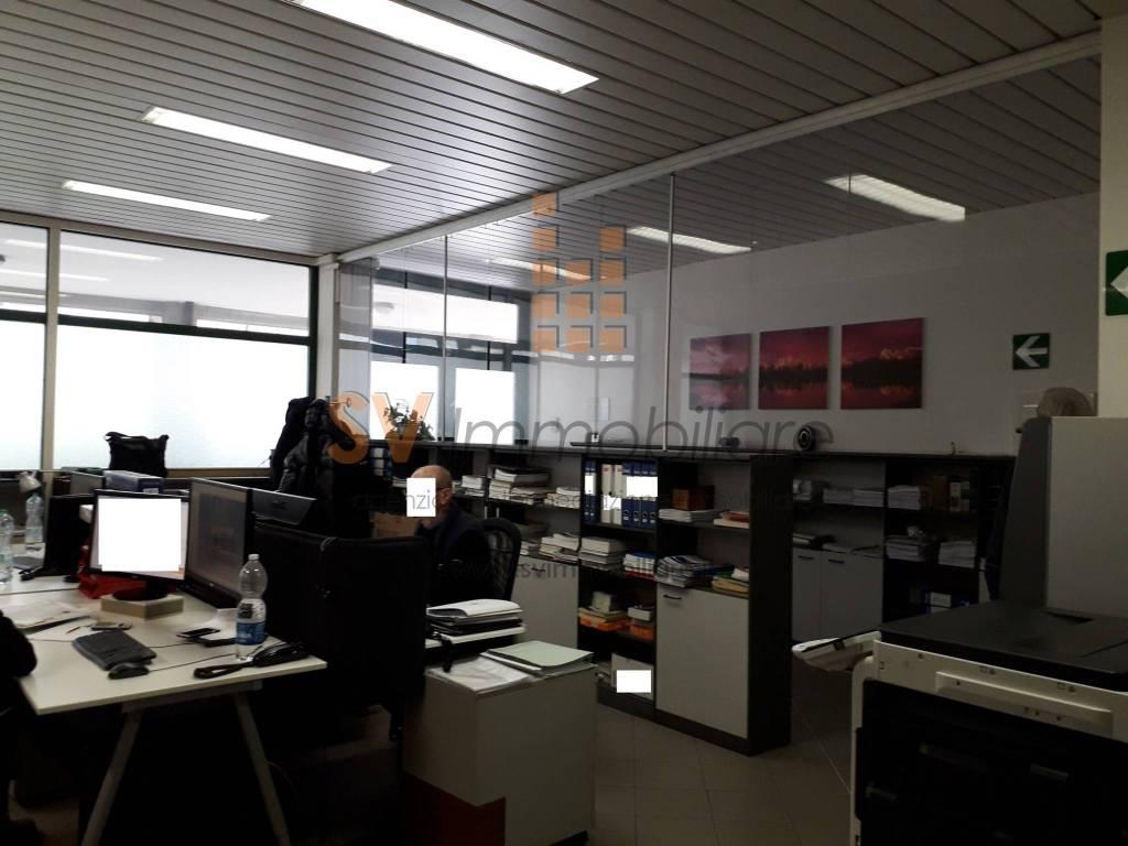 Sesto Fiorentino- Affittasi fondo commerciale Rif. 8722606