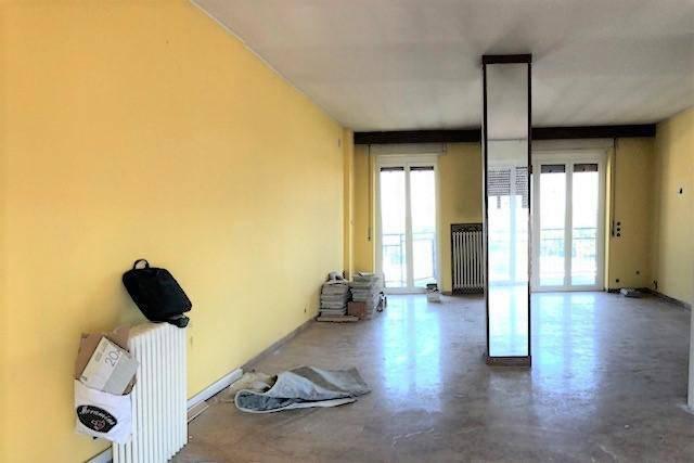 Appartamento in ottime condizioni in vendita Rif. 8909031