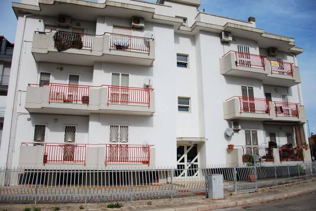 Appartamento in buone condizioni in vendita Rif. 8716429