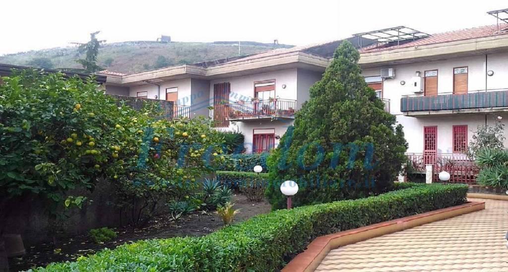 Appartamento in Vendita a Pedara Centro: 3 locali, 80 mq