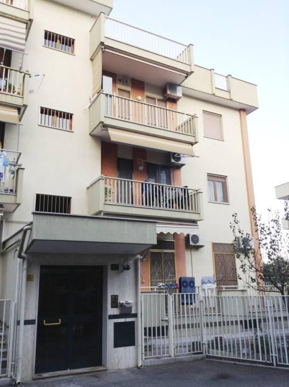 Appartamento in Affitto a Foggia Semicentro: 4 locali, 130 mq