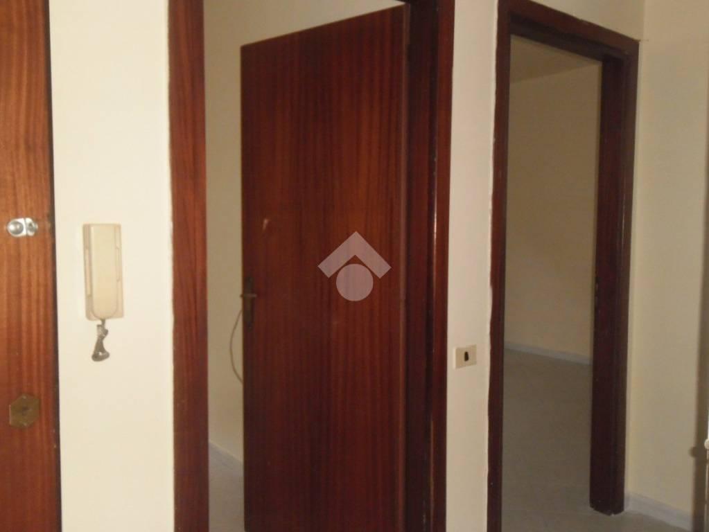 Appartamento in buone condizioni in vendita Rif. 9212452