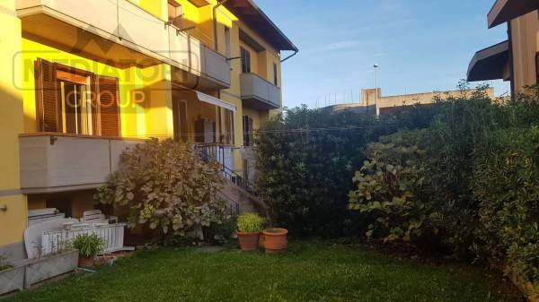 Casa Indipendente in buone condizioni in vendita Rif. 8833656